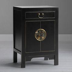 Amazing Bedside Tables – The Precious Jewels of the Bedroom Bedroom Furniture Online, Home Furniture, Furniture Design, Bedside Cabinet, Bed Frame, Oriental, House Design, Milan, Bedside Tables