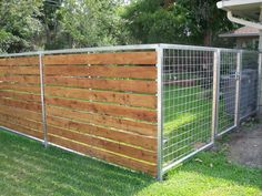 Visit Our Site For A Free Estimate. Automatic Gate Repair and Installation Company With Over 20 Years Experience. Driveway Gates, Automatic Gates, grid mesh mesh a fence # armeringsjärn Diy Backyard Fence, Diy Fence, Pool Fence, Fence Landscaping, Fence Gate, Fence Ideas, Horse Fence, Garden Ideas, Front Yard Fence