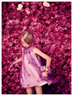 High fashion for kids, little girls. Baby Dior spring/summer 2014 collection for girls is filled with whimsical, feminine and fresh items. Fashion Kids, Little Kid Fashion, Young Fashion, Toddler Fashion, Dior Fashion, Baby Dior, Dior Kids, Kids Fashion Photography, Shooting Photo