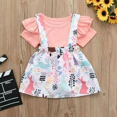 Little girl clothes Girls In Suspenders, Suspenders Outfit, Baby Kids Clothes, Toddler Girl Outfits, Boy Outfits, Little Girl Fashion, Kids Fashion, Easter Outfit For Girls, Baby Dress