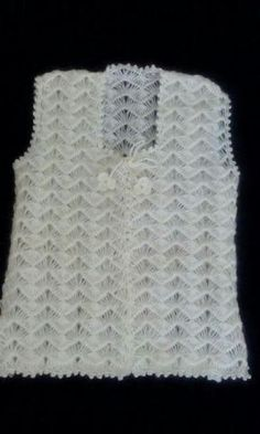 Ripple stitch + broomstick lace (sort of), very nice for shawls, etc.: photo from a Russian site; and here is a Turkish video that provides good demo instruction even if you don Crochet Stitches Patterns, Crochet Patterns For Beginners, Baby Knitting Patterns, Knitting Designs, Hand Knitting, Crochet Jacket, Crochet Blouse, Knit Vest, Cotton Crochet