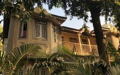bundra bungalow - Google Search India Architecture, Bungalow, Mansions, Google Search, House Styles, Home, Indian, Architecture, Manor Houses