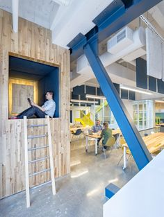 Studio O+A has designed a new design lab in San Francisco for Capital One Labs, the group responsible for Capital One's app and online interface development. A bank is not a client to whom designers would normally suggest their most adventurous color choices, but the creative team at Capital One Labs in San Francisco was an exception.
