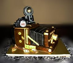 Vintage Camera Cake by TiffsWickedCakes on DeviantArt Creative Wedding Cakes, Creative Cakes, Camera Cakes, Cake Craft, Gift Cake, Specialty Cakes, Novelty Cakes, Piece Of Cakes, Cake Tutorial