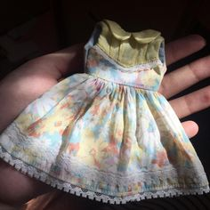 Morning! Made a new dress for summer! #Blythe #blythedoll #handmade #blytheoutfit #dolloutfit #midsummercircus