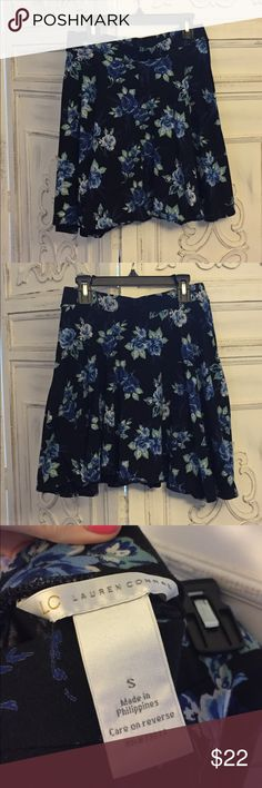 LC Lauren Conrad Blue Floral Skirt Size small. Perfect condition! Super comfortable and flattering LC Lauren Conrad Skirts Circle & Skater