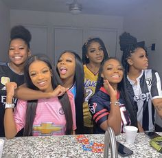 friendship goals boy and girl squad Matching Outfits Best Friend, Best Friend Outfits, Sisters Goals, Bff Goals, Squad Goals, Go Best Friend, Best Friend Goals, Black Girl Groups, Black Girls