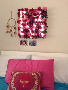 """DIY - how to make a """"Shabby Chic"""" wall Lamp http://colorandlove.com/diy-shabby-chic-lamp-and-art-wall/"""