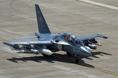 Yakovlev Yak-130 (NATO reporting name: Mitten), Russian subsonic two-seat advanced jet trainer/light attack aircraft
