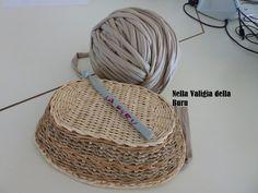 Nuovo tutorial della buru per borse in fettuccia all'uncinetto fai da te! Come riutilizzare i cestini in vimini per creare fondi rigidi!!!