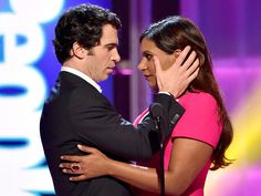 PEOPLE Magazine Awards: Watch Mindy Kaling and Chris Messina's Hot Moment! (VIDEO) http://www.peoplestylewatch.com/people/stylewatch/package/article/0,,20880962_20884605,00.html Chemistry!