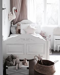 35 Amazingly Pretty Shabby Chic Bedroom Design and Decor Ideas - The Trending House Girls Bedroom, Bedroom Decor, Bedroom Ideas, Bedroom Furniture, Wall Decor, White Bedroom, Wooden Furniture, Pretty Bedroom, Bedroom Small