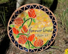 Custom Design Memorial Stepping Stone by MountinDesigns on Etsy Mosaic Garden, Mosaic Art, Mosaic Glass, Fused Glass, Glass Art, Mosaic Bottles, Mosaic Stepping Stones, Stained Glass Crafts, Mosaic Patterns