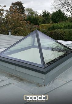 Take a look at this classy frameless pyramid rooflight. A sleeker alternative to the more traditional looking XACT Aluminium Roof Lantern. Keep this idea in mind for your orangery extension! Skylight Design, Roof Skylight, Roof Window, Roof Sealant, Roof Lantern, Fibreglass Roof, Retractable Pergola, Modern Roofing, Roof Styles