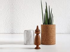 DIY-Anleitung: Blumentopf aus Kork herstellen, Garten- und Balkondeko / DIY-tutorial: crafting cork flower pot, garden and balkony decor via DaWanda.com