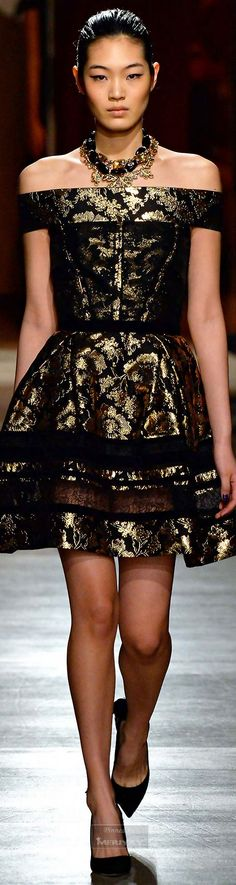 Oscar de la Renta Fall-winter 2015-2016.