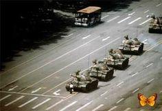 As imagens mais vistas do mundo:Estudante desafia tanques Tiananmen Square/1989 – Stuart Franklin