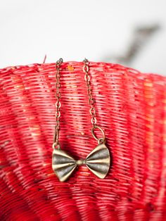 Little bow necklace.