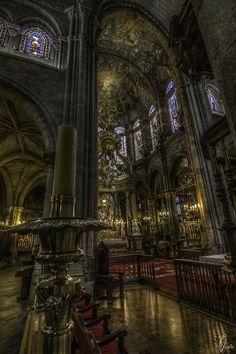 Lugo's Cathedral by Ángel Sánchez García, via 500px
