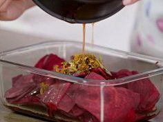 Marinovaná červená řepa s kozím sýrem — Všechno, co mám ráda — Česká televize Beef, Food, Meat, Essen, Meals, Yemek, Eten, Steak