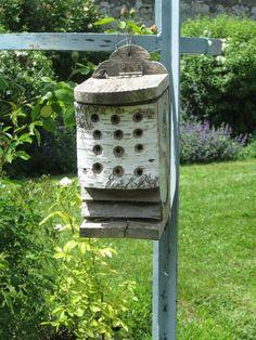 nichoir bourdons nichoirs pour insectes pinterest photos. Black Bedroom Furniture Sets. Home Design Ideas