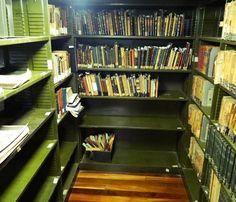 http://vandabooksetreasures.blogspot.com.br/2016/01/passeio-biblioteca-publica-do-estado.html