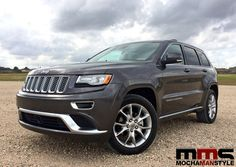 The 2015 Jeep Grand Cherokee Summit 4X4 Combines Luxury and Capability