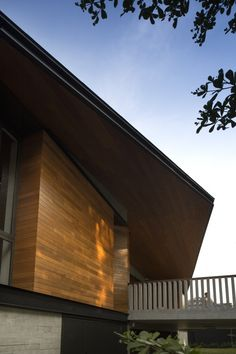 Image 8 of 16 from gallery of Hillside House / Architects. Photograph by Albert KS Lim Modern Exterior, Interior Exterior, Exterior Design, Sustainable Building Design, New Housing Developments, Concrete Block Walls, Whole House Fan, Build Your House, Hillside House