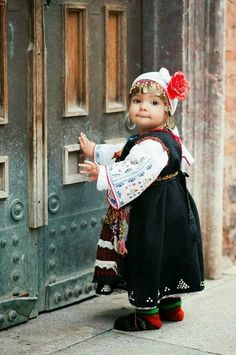 Bulgarian girl in traditional folk costume. Precious Children, Beautiful Children, Beautiful Babies, Beautiful People, Cultures Du Monde, World Cultures, Kids Around The World, People Of The World, Little People