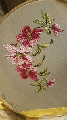 Cross Stitch Tree, Cross Stitch Heart, Cross Stitch Samplers, Cross Stitch Flowers, Ribbon Embroidery, Cross Stitch Embroidery, Embroidery Patterns, Cross Stitch Designs, Cross Stitch Patterns