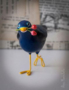 O Tilonorrinco é um pássaro australiano, que carrega flores para a sua amada quando está apaixonado!