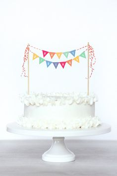 Rainbow Cake Bunting #printable #party #cake #bunting #birthday #DIY #rainbow