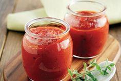 Μια εύκολη σάλτσα ντομάτας που θα χρησιμοποιήσετε σύμφωνα με τις απαιτήσεις της κάθε συνταγής.