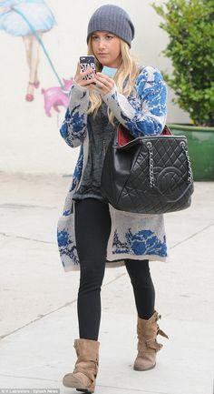 Ashley Tisdale NO VA
