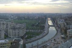 Splaiul Dâmboviţei, parcul Izvor. Bucharest, Our World, Romania, Airplane View, Paris Skyline, Travel, Viajes, Destinations, Traveling
