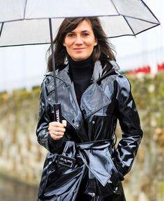 #RaincoatsForWomenRainyDays #RaincoatsForWomenBeautiful