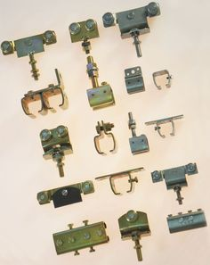 Wir haben eine Vielfalt an Schiebetorbeschlägen. Shops, Taps, Pipes, Sheet Metal, Steel, Tents, Retail Stores