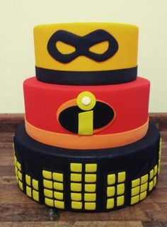 Pretty Incredible's Cake 5th Birthday Party Ideas, 2 Birthday Cake, 1st Boy Birthday, First Birthday Parties, Incredibles Birthday Party, Superhero Birthday Party, Cake Decorating, Birthdays, The Incredibles