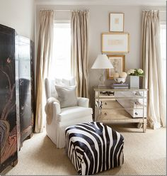 Things That Inspire: Mirrored chests and nightstands. One of my favorite rooms by Ashley Goforth. I have seen her use this mirrored chest in several of her room designs (it looks like one sold at Z Gallerie or Horchow, link at the end of this post). Note the use of a crystal lamp with the mirrored chest.