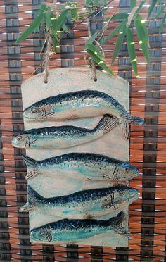 Wohndeko Keramik-Relief Fischschwarm Keramikbild Wohndeko Gartenkeramik