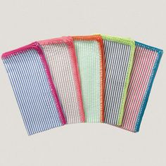 Love these napkins for casual use.  $72 for 4 at Kimseybert.com.  I think I could make these....