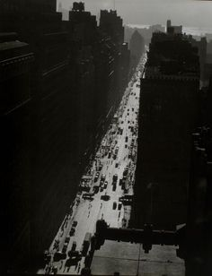 Berenice Abbott - Seventh Avenue, south from 35th Street, Manhattan, 1935. S)