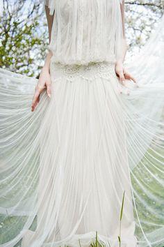El Rincón Vintage de Karmela: El halo encantador que rodea los vestidos de novia con esencia bohemia-vintage.