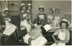 Photographer WH Darby of Bermondsey But Which Hospital? History Of Nursing, Ww2 Women, All Nurses, National Health Service, Vintage Nurse, Walk In My Shoes, School Pictures, St Thomas, Nurse Life