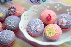 Cassis macarons (This is a blog by a Japanese mom, and even with Google Translate it was nearly impossible to understand. The pictures and ideas are wonderful though, worth a look.) @Donna Kellner