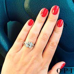 Esto es amor del bueno  El tono Big Apple Red es uno de nuestros favoritos e imprescindibles para lucir una manicura 10  ¿Te apuntas?
