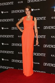 Shailene Woodley in Roksanda Ilincic at the Mexico City Divergent premiere.