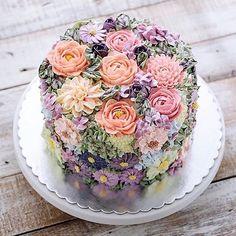 "760 Likes, 20 Comments - Burnett's Boards (@burnettsboards) on Instagram: ""#indonesia // How amazing is this cake from @ivenoven?! #weddingcake"""