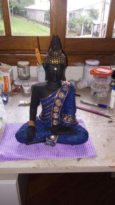 #pinturadecorativa Zen, Buddha Painting, Ganesha, Feng Shui, Oriental, Diy Projects, Hollywood, House Styles, Metal