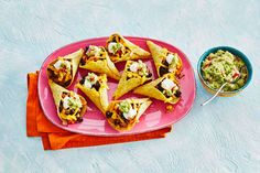 Kijk wat een lekker recept ik heb gevonden op Allerhande! Tacocones met zwartebonenchili, cheddar en guacamole